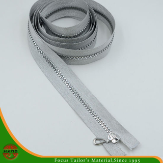 5# Plastic Silver Teeth & Silver Tape Zipper (SZ-071)