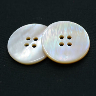 4 Holes New Design Natural Button (T-001)