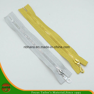 5# Plastic Golden Teeth & Golden Tape Zipper (SZ-069)